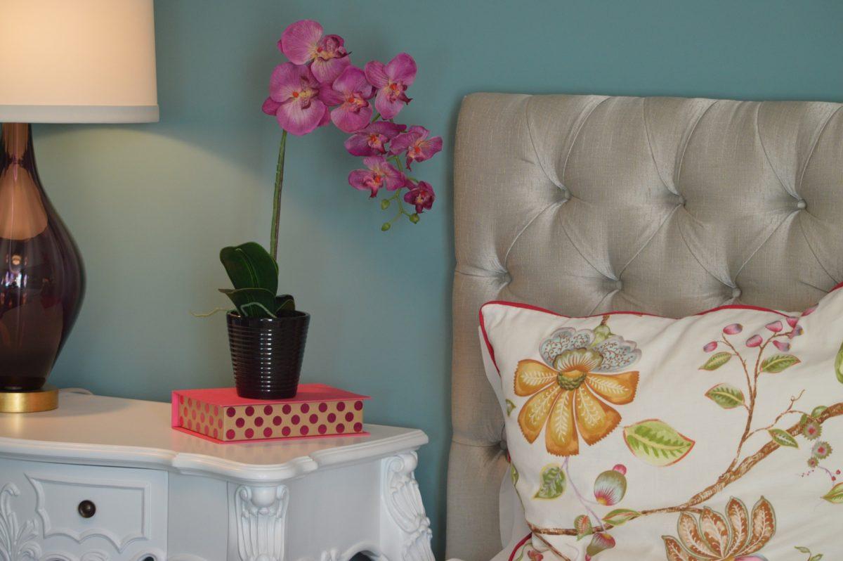 Spavaća soba, oaza mira: Izbegavajte detalje, uložite u udobnost
