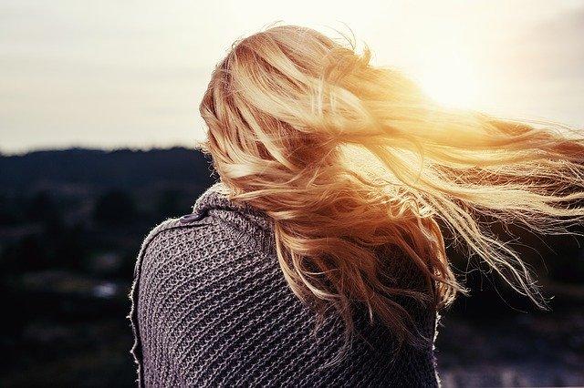 Sok od crnog luka sprečava opadanje kose