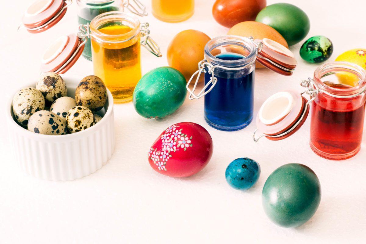 Farbanje jaja za Vaskrs: Ove godine koristite boje iz prirode
