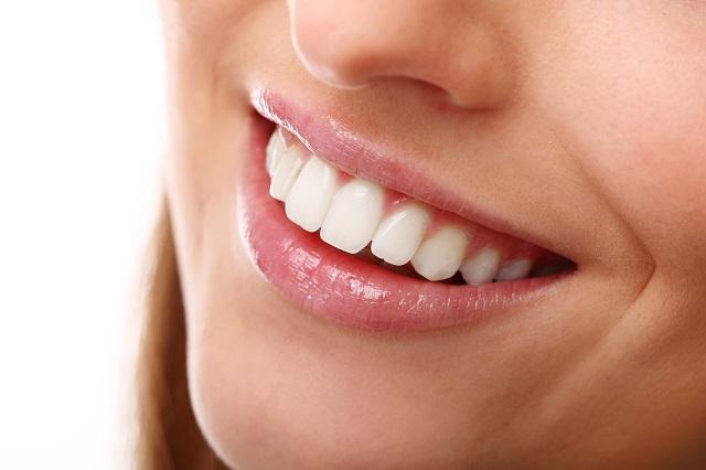 Pozitivne i negativne navike za izbeljivanje zuba