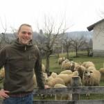 Mladi Nemac proizvodi voćni jogurt u Takovu
