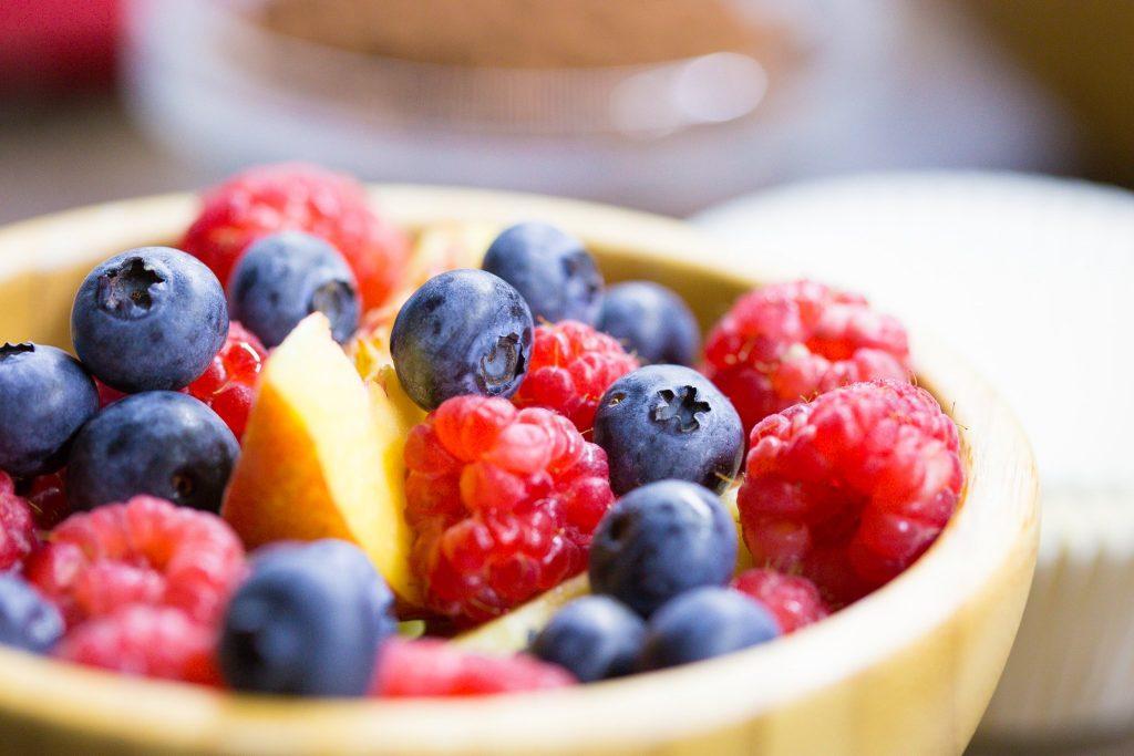 Anticelulit dijeta: Sirovo voće i povrće, malo mesa na žaru, mnogo vode…