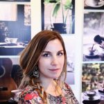 Anđela Petrovski – Kafa miriše na njenim fotografijama