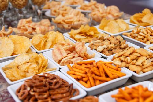 Kako i zašto treba da pripazimo na unos slatkiša i grickalica?