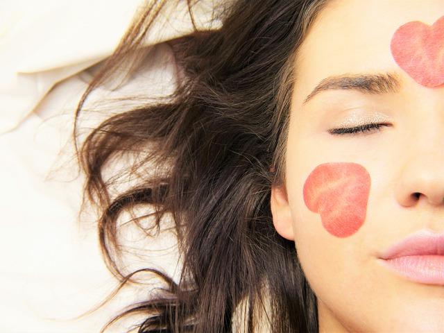 Kako da razlikujete akne od mitisera?