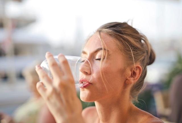 Šta će se dogoditi ako počnete da pijete tri litra vode na dan?