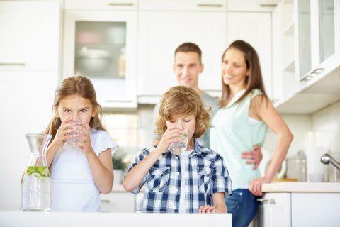 Zašto je posebno važno da deca unose dovoljno vode?