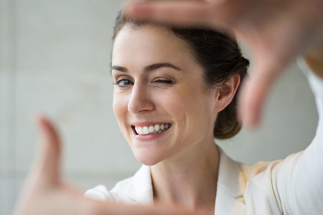 Šta je efektnije – spontan ili kontrolisan smeh?