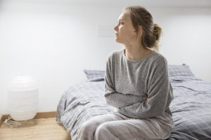Endometroza se najčešće javlja između 25. i 35. godine života. Pacijentkinje mogu da primete simptome u vidu bolnih menstruacija, bolnih polnih odnosa, neredovnih menstruacija i neplodnosti.