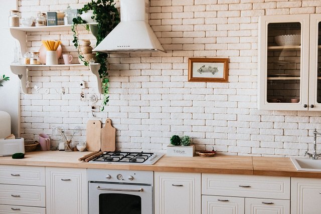 Mala kuhinja: Srediti police i fioke za lak rad