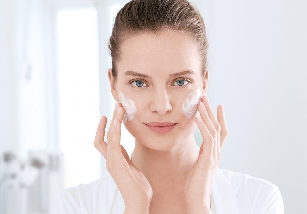 Iz ugla farmaceuta: Kako da akne nestanu sa vašeg lica