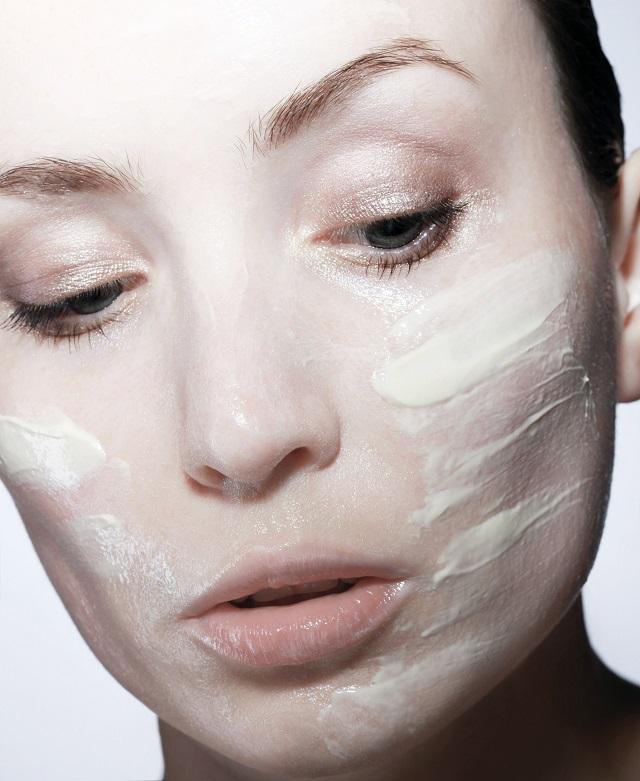Zbogom akne: Biljkama čistite lice i blistajte
