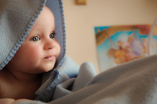 Bebe od tri meseca znaju da li je mama tužna