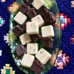 Bele i čokoladne praline, idealan slatkiš za predstojeće praznike
