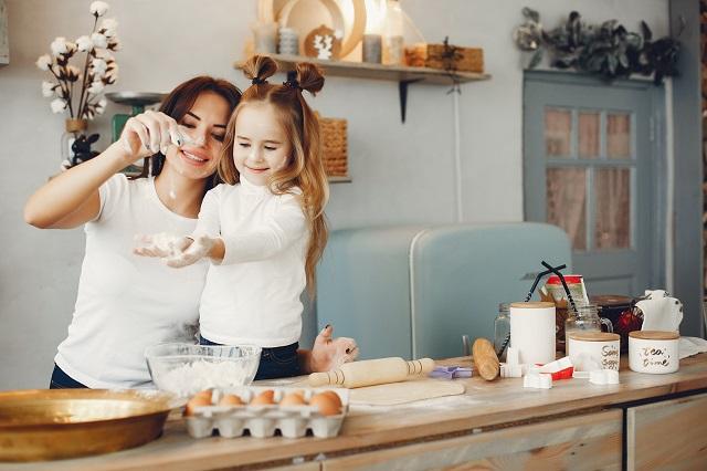 5 prazničnih aktivnosti za uživanje kod kuće