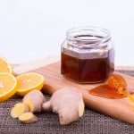 Đumbir sa medom i limunom, prirodan lek za grlobolju i kašalj