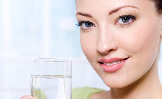 Topla voda je lek: 7 razloga zašto je treba piti svakog jutra