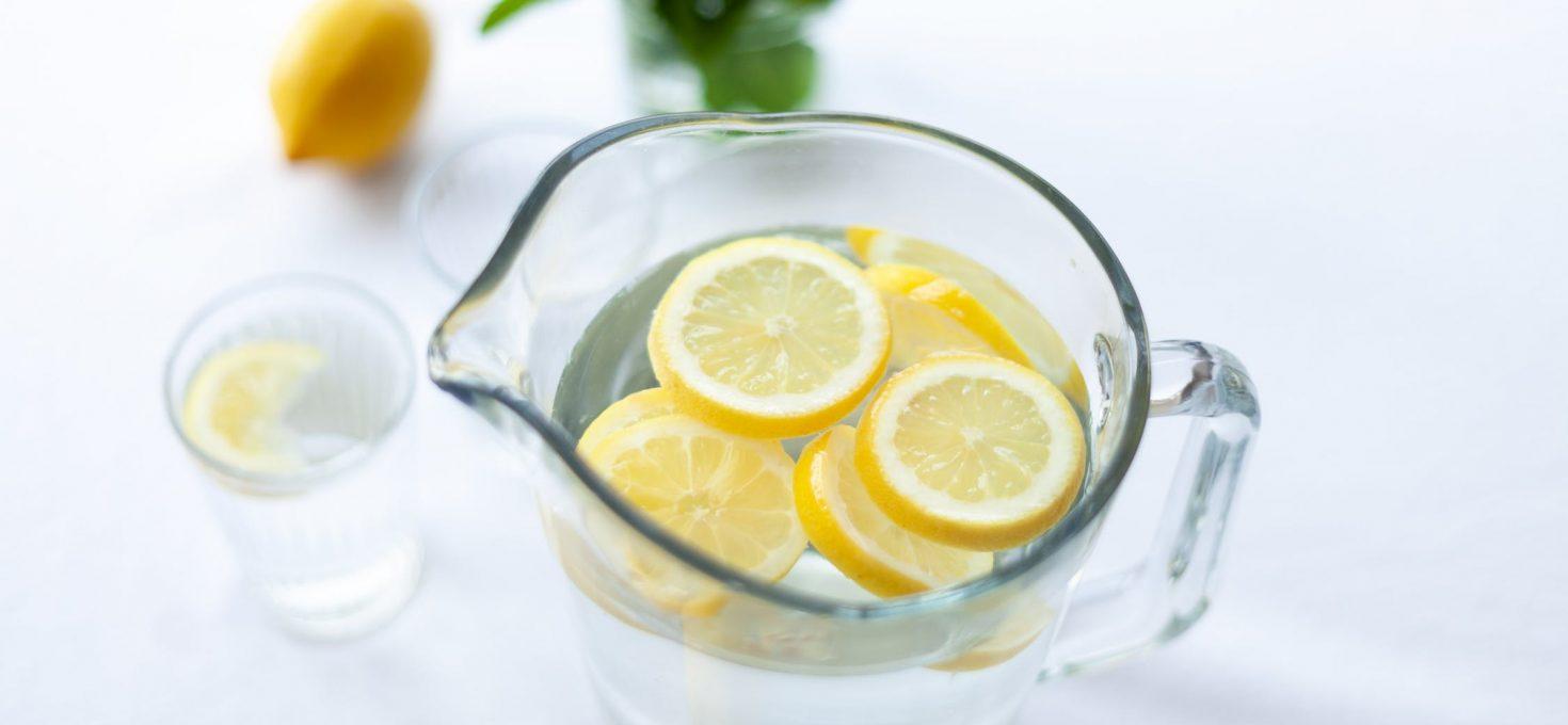 Voda sa limunom, savršen jutarnji detoks