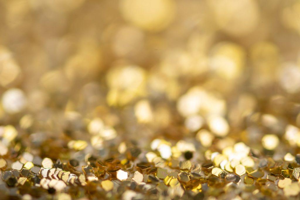 Zlatna aura je simbol pozitivne energije