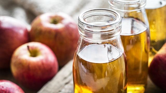 Kako da očistite pluća jabukovim sirćetom