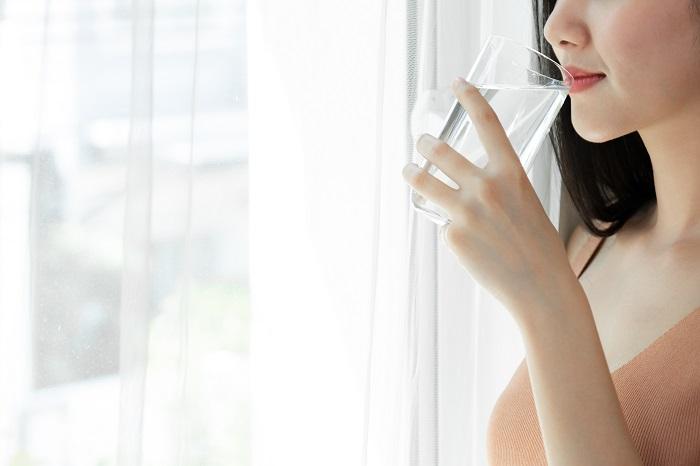 Osećate žeđ iako pijete dovoljno vode? Ovo su razlozi