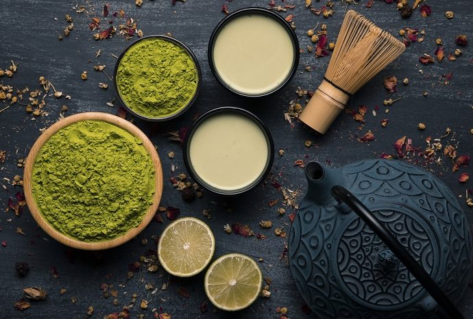 Da li znate ključne razlike između mača i zelenog čaja?