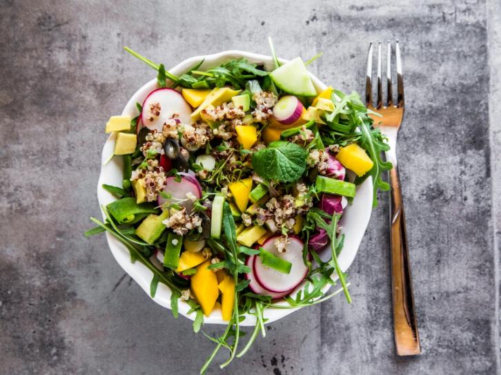 6 načina da napravite kreativnu salatu koja će vas zasititi